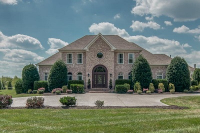 Move-in ready ranch with basement beckons | Brentwood Tn real estate,brentwood tn homes,brentwood real estate,showcase home,6437 Tea Rose Terrace,Murray Estates