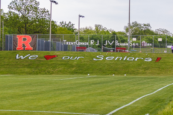Ravenwood soccer recognizes seniors before matchup against Brentwood