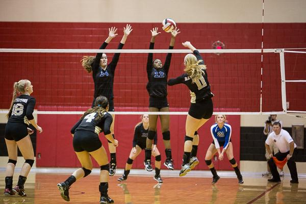 Brentwood, Ravenwood volleyball punch tickets to state