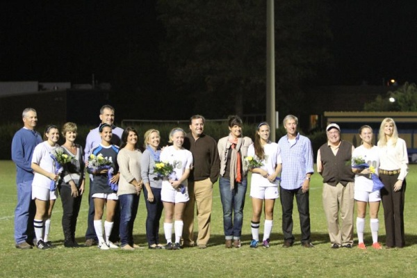 Brentwood High honors seniors before matchup against Franklin