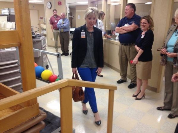 Williamson Medical donates physical therapy equipment to WCS