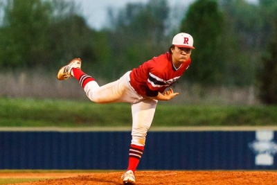 Ravenwood splits baseball doubleheader with Indy