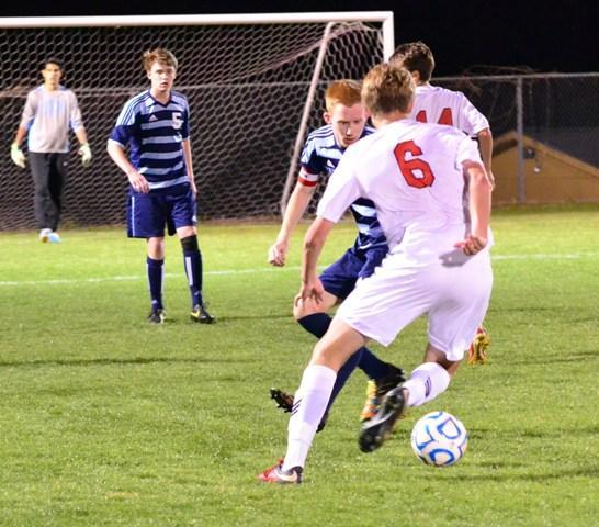 Sports Roundup: RHS soccer ties CHS; BHS soccer takes down Page; RHS baseball, softball win
