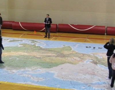 Big map exposes big world to students | Ravenwood High School, National Geographic Society, Tennessee Geographic Alliance, David Huebner, Dr. Pam Vaden, education, geography, map, Brentwood tn news, brentwoodhomepage.com