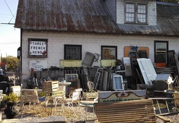 Freaky friday nolensville shop owner says former for Dining in nolensville tn