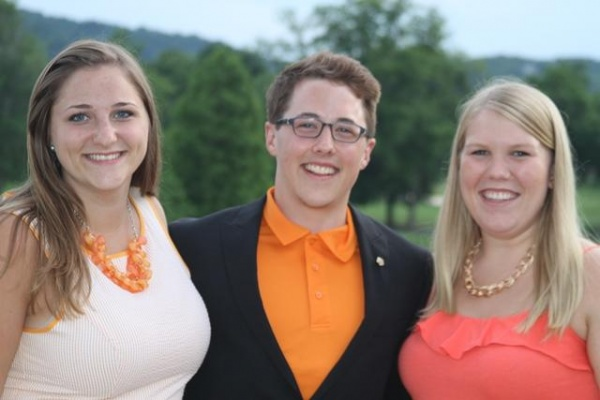3 local students named Dowdle Scholars