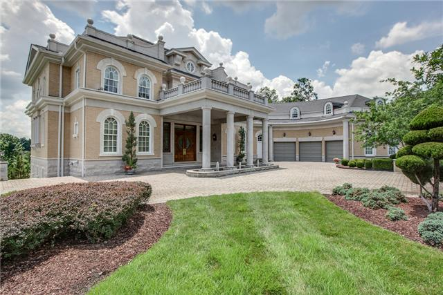 Exquisite Governors Club home fit for royalty