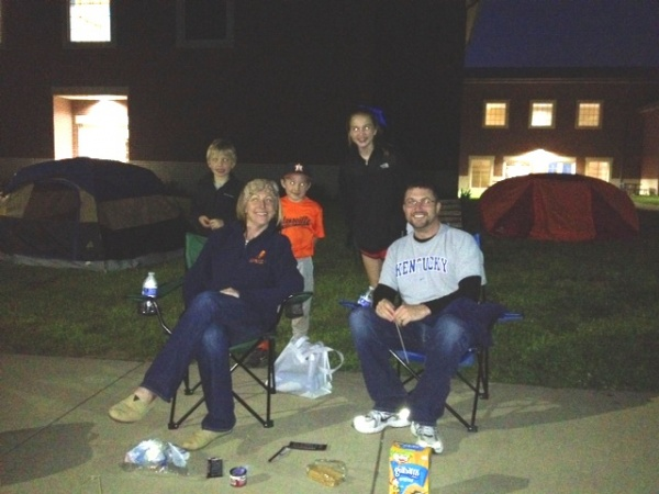 Sunset Elementary principals camp out after students raise $26K