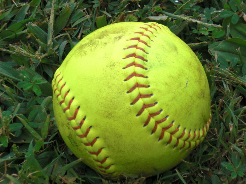 Summit softball gets two wins on first day of Raptor Classic