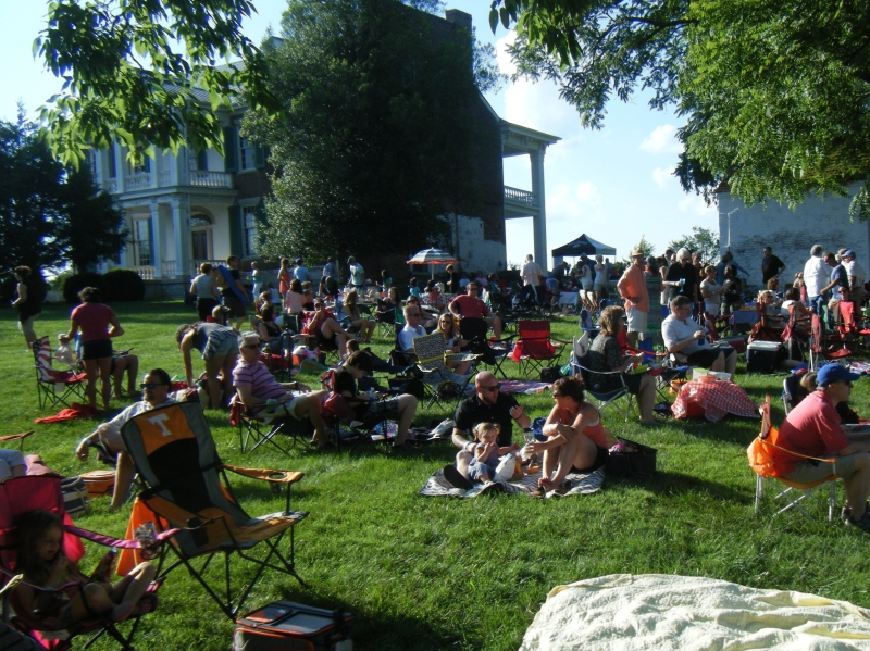 Scene and Heard: Carnton concert crowd goes on a 'Journey'
