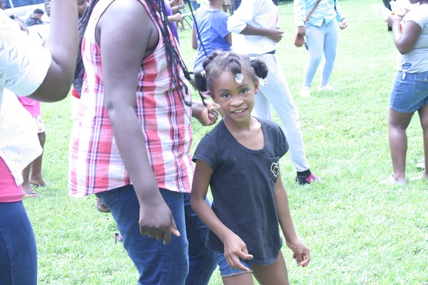 Videos capture joy, celebration as community groups join Franklin Police in support of Natchez picnic | Historic Natchez neighborhood, Franklin Police Department, Tracy Tucker, Charlie Warner, Deb Faulkner, AME Chapel, Merche Moore, Quintavious Johnson