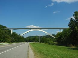 Officers talk man off Natchez Trace Bridge